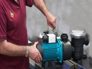 Thợ sửa máy bơm nước ở tphcm Liên Hệ O9O3.181.486